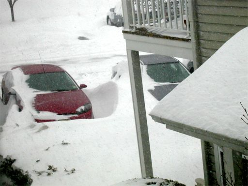 A picture named snowdrift-by-car.jpg